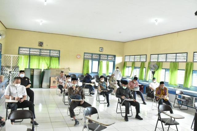 Komisi IV DPRD Kalsel melakukan pemantauan kesiapan sekolah untuk melakukan pembelajaran sekolah secara luar jaringan atau belajar tatap muka (2)