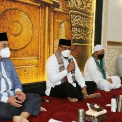 KUNJUNGI HSS Pj Gubernur Kalsel Serahkan Bantuan