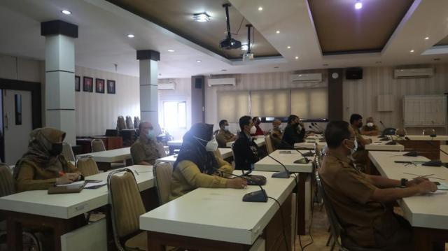 rapat koordinasi Sanitasi Kota Banjarmasin, di Aula Barenlitbangda, Balaikota Banjarmasin (2)