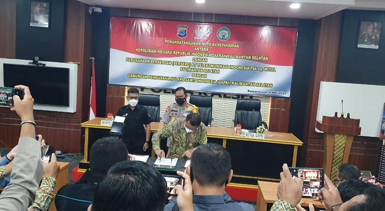 ANTISIPASI KARHUTLA, Indosat Melalui Aplikasi 'Asap Digital', Gandeng Polda Kalsel dan GAPKI