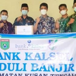 BANTUAN Korban Banjir di Kusan Tengah Diserahkan Bank Kalsel Batulicin
