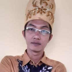 PERLU DIDESAIN ULANG Kurikulum Bidang Komputerlang, Mambang Dikukuhkan Sebagai Ketua IndoCEISS