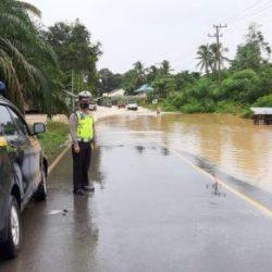TAKBIR di Tengah Banjir di Satui Tanbu dan Batu Ampar Tala