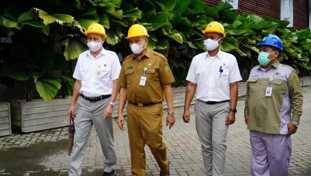 Pelaksana harian Sekretaris Daerah kota Banjarmasin, H Mukhyar, M.Ap mengunjungi PT. Basirih Industrial Banjarmasin yang berlangsung di Jalan Basirih (3)