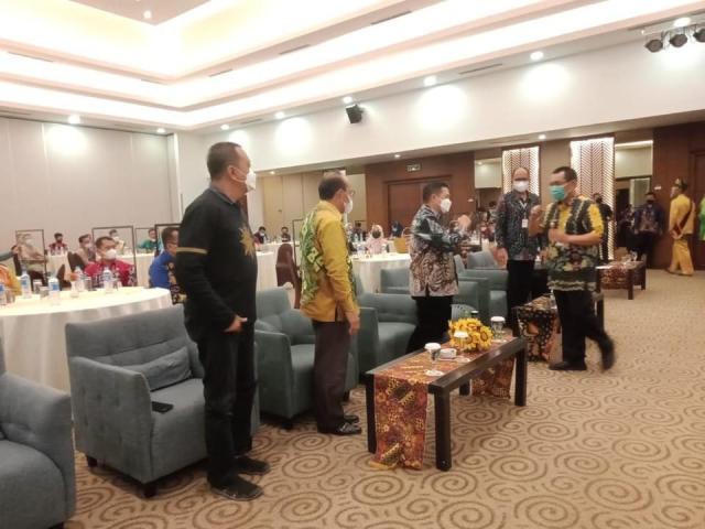 Pengukuhkan Forum Ekonomi Kreatif Kota Banjarmasin masa bakti 2021-2025 di salah satu hotel ternama di Kota Banjarmasin (3)