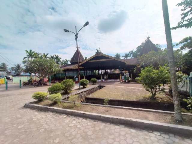 Sengketa pengelolaan Makam Sultan Suriansyah
