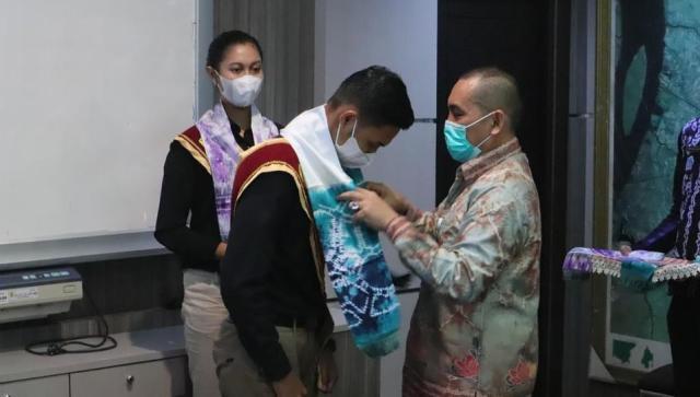 Silaturahmi dari para pemenang Nanang Galuh Banjarmasin tahun 2021 yang bertempat di Ruang Berintegrasi Lantai 2, Balaikota Banjarmasin (2)