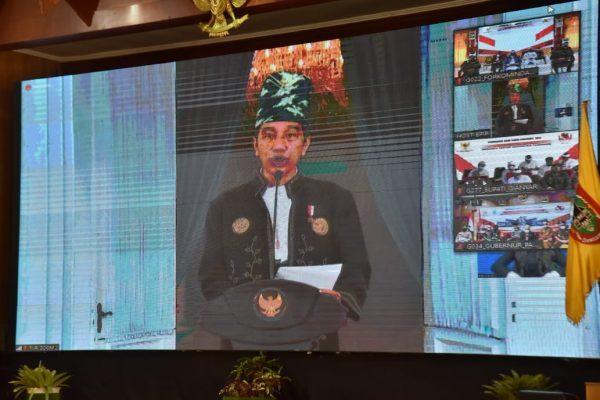 MEMBANGGAKAN Presiden Mengenakan Pakaian Adat Kalsel di Hari Lahir Pancasila, Sekda Terkesima
