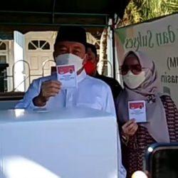 SEMOGA MELEBIHI TARGET Ucap Cawagub Kalsel H Muhidin yang Bersama Istri Mencoblos