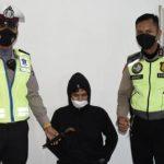 BERNASIB APES Sudah Tak Kenakan Helm, Kedapatan Sajam
