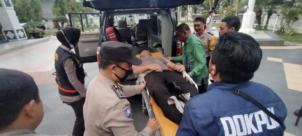 PASCA BENTROK Satu Polisi dari Tiga yang Terluka Harus Dirawat di Rumah Sakit