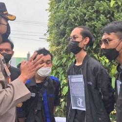 AKSI MAHASISWA di Mimbar Bebas Kamisan: Perlunya Pengawasan bagi Aparat dan Pemerintah