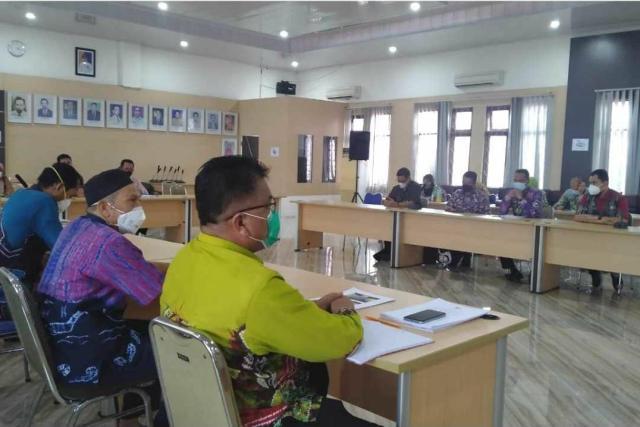 Rapat Koordinasi Kontijensi Kesiapsiagaan Menghadapi lonjakan kasus Covid-19 yang dilaksanakan Dinas Kesehatan Kota Banjarmasin (2)
