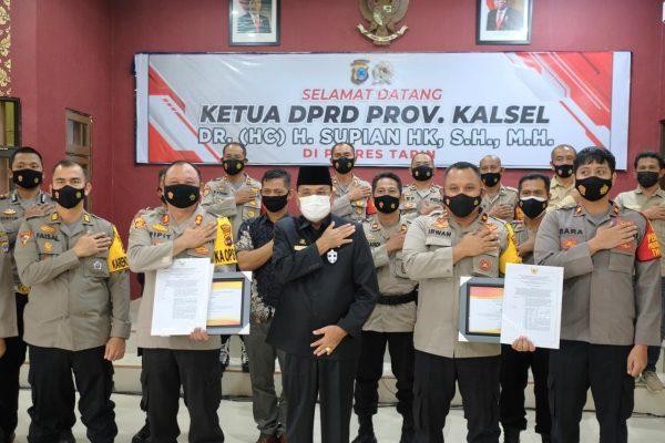 DUA POLRES Diapresiasi Ketua DPRD Kalsel dan Berikan Penghargaan