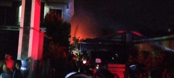 BREAKING NEWS Ratusan Relawan BPK Berjuang di Kobaran Api