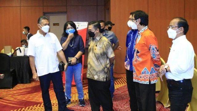 Vaksinasi bagi Pegawai Sektor Jasa Keuangan dan Masyarakat Umum Kalimantan Selatan (Kalsel), di Hotel Golden Tulip Banjarmasin