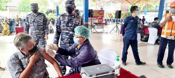 DIAPRESIASI Pelindo III Regional Kalimantan, Totalitas Lanal Serbuan Vaksinasi