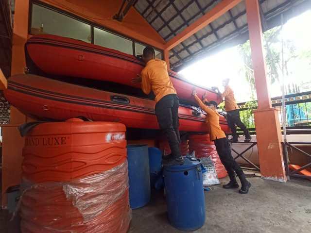 DIBERANGKATKAN Bantuan Banjir Pemko Banjarmasin ke Kalteng (2)