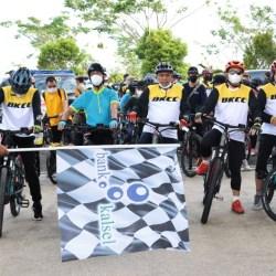 BERSEPEDA BERSAMA, Gubernur & OJK Gabung Bank Kalsel Charity Ride Bermisi Amal