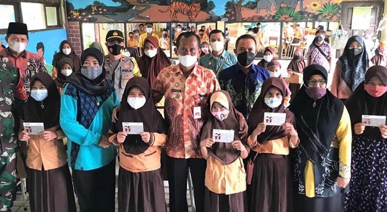 BANK KALSEL Gesit Buka Rekening Bagi Pelajar, Dukung Program OJK Banua Menabung