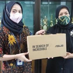 BANTUAN LAPTOP dari Bank Kalsel untuk TK Al Qur'an dan TK Islam Al Fatihah