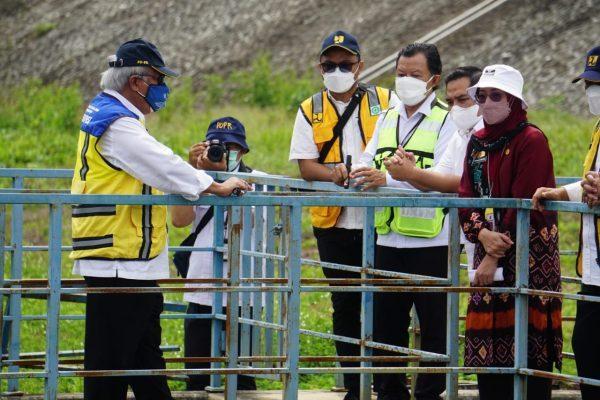 MENTERI PUPERA Tinjau TPA Regional dan SPAM Banjarbakula