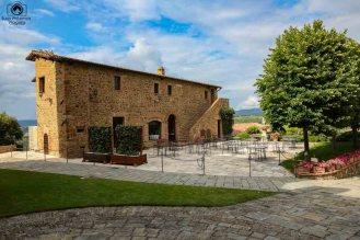 Dependências do Castelo de Banfi nas Vinícolas da Toscana