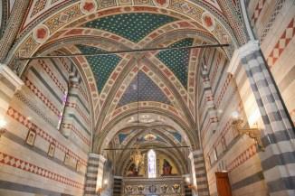 Vista interna da Capela Barone Ricasoli