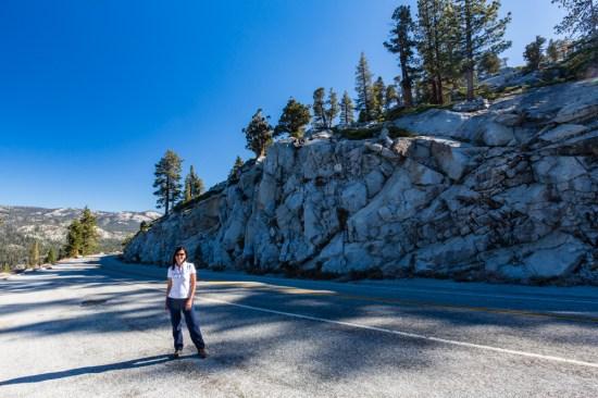 Vista de uma estrada no Parque Nacional Yosemite