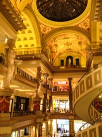 Interior do Caesars Palace em Las Vegas