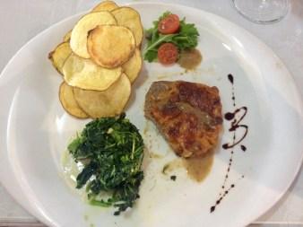 Um prato servido no éleBê de onde comer em Portugal