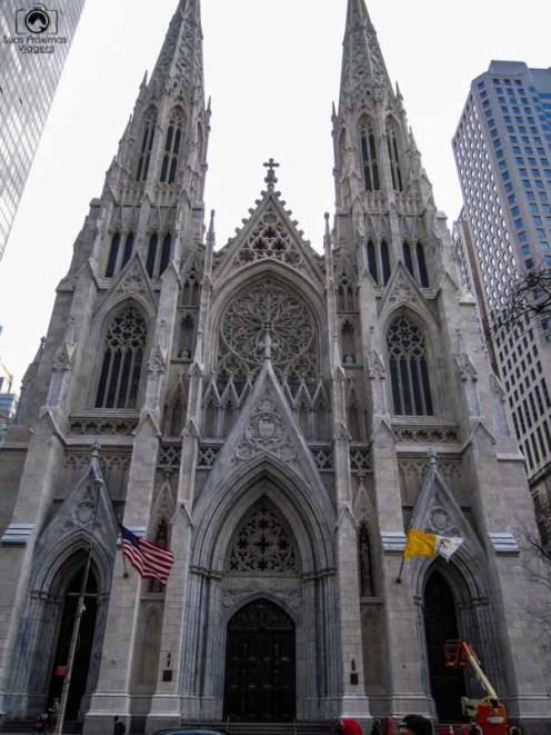 Saint Patrick Cathedral na 5a avenida em Nova York