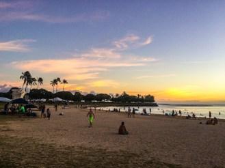 Golden Hour na Ala Moana em Oahu