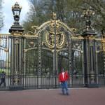 Portão do Buckingham Gardens nas Melhores Dicas de Londres