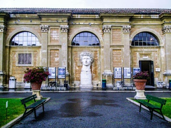 Destaque no Interior dos Museus do Vaticano em o que fazer em Roma