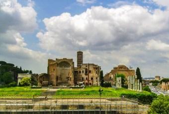 Ruínas em Roma em o que fazer em Roma