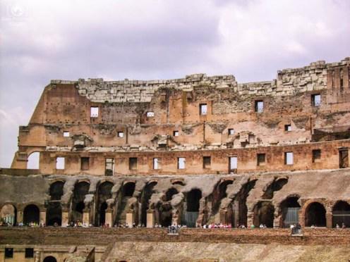 Arquibancadas do Coliseu em o que fazer em Roma