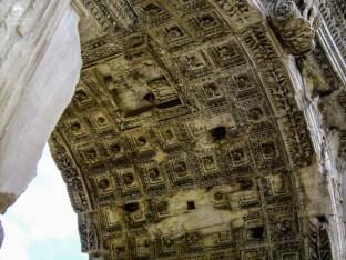 Teto dos Arcos de Constantino em o que fazer em Roma