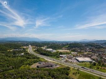 Mata Atlântica entre Indústrias em Joinville