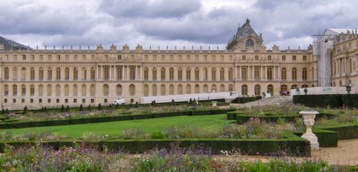 Vista Lateral do Palácio de Versalhes