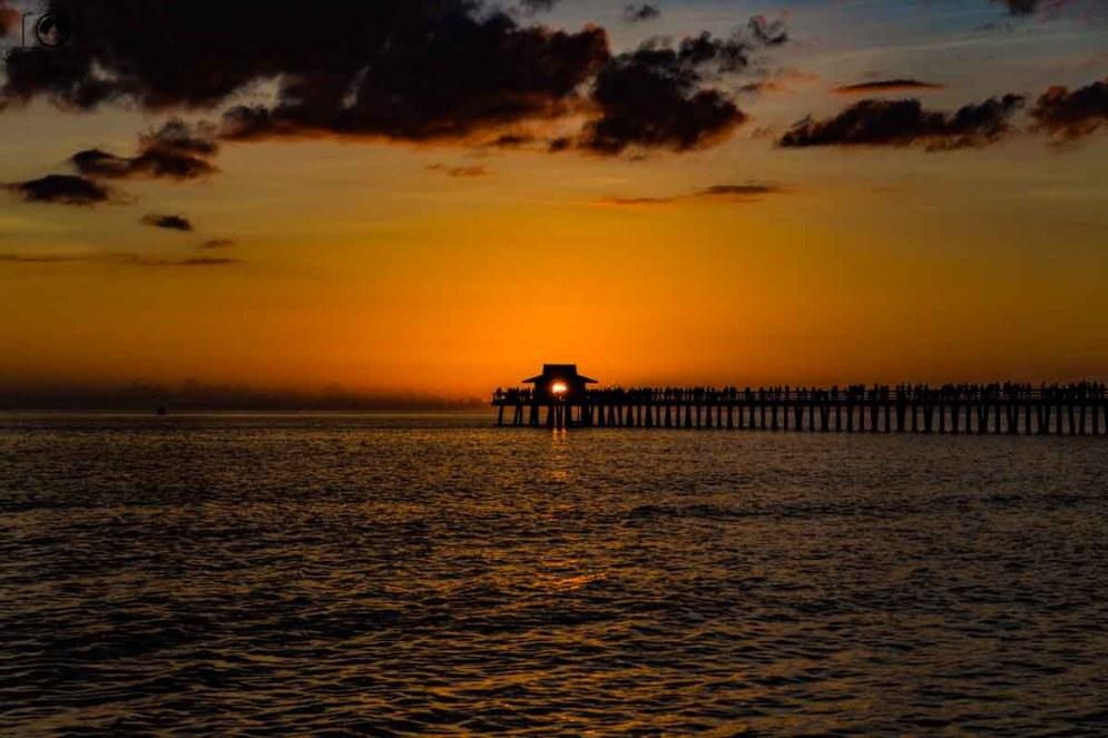 Golden Hour no Pier de Naples