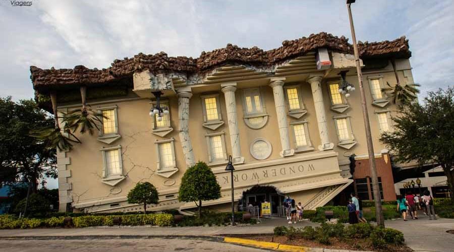 Wonderworks Casa de cabeça para baixo em Orlando
