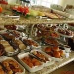Imagem do Buffet de Café da Manhã na Pousada Nacional Inn em Onde ficar em Campos