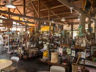 Imagem dos produtos de artesanato e guloseimas do Leite na Pista a caminho de campos do jordão