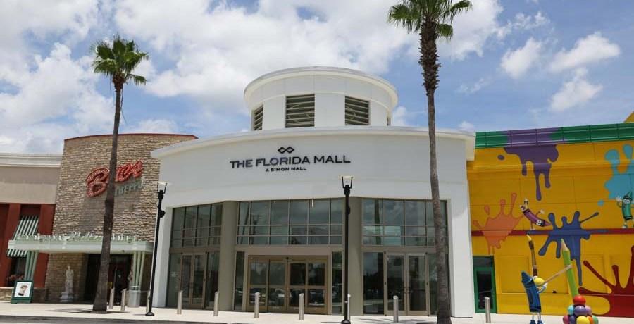 Uma foto da entrada do Florida Mall em Compras em Orlando