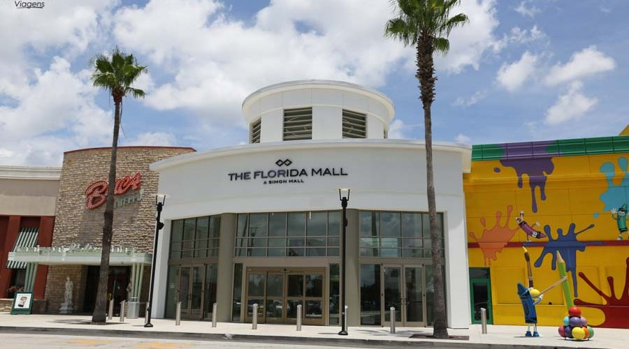 4317b588a55 Uma foto da entrada do Florida Mall em Compras em Orlando