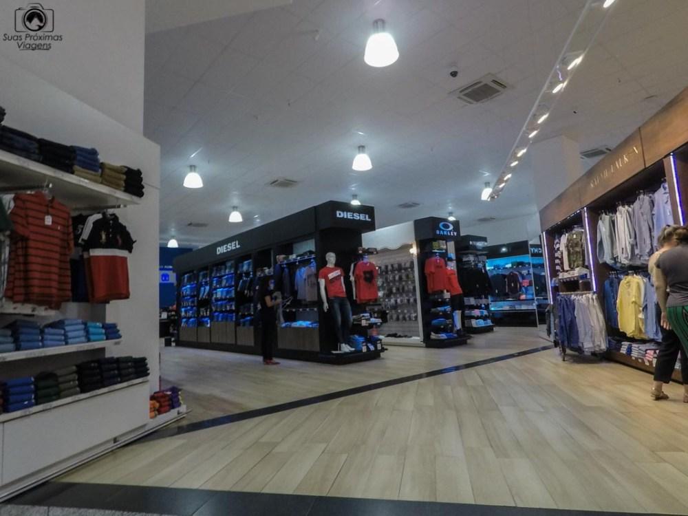 Vista dos Estandes de marcas no Shopping China, Compras no Paraguai