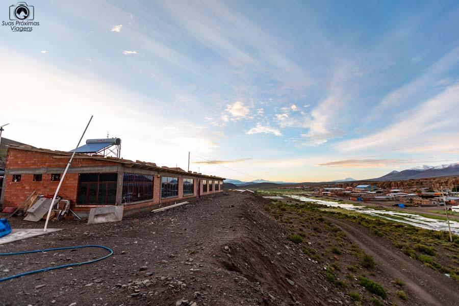 Foto externa do hostel em Villa Mar no sul da Bolívia