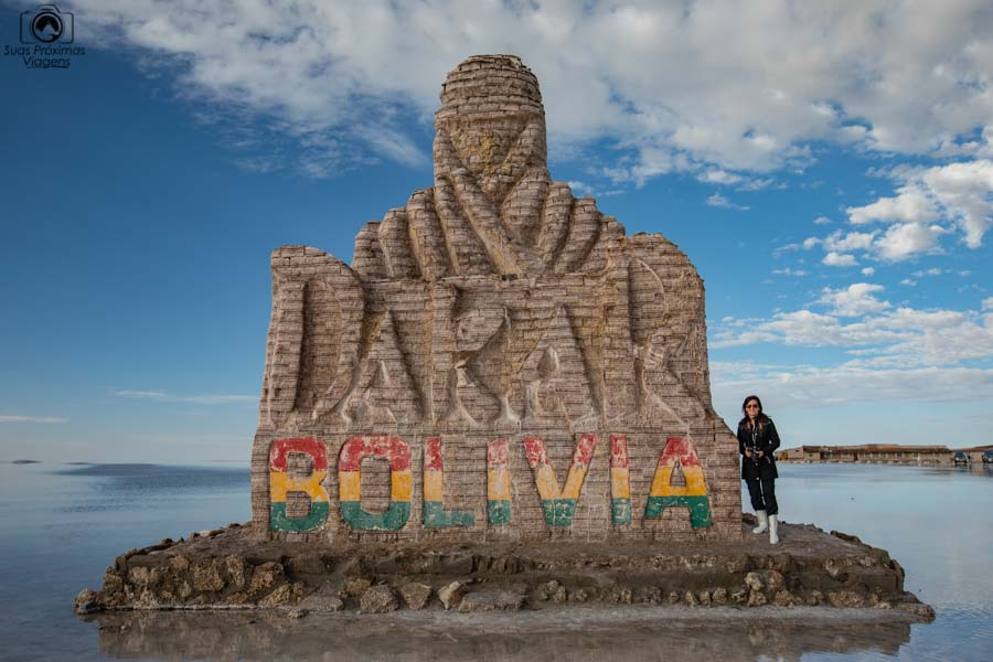 Imagem da Escultura do Rally Dakar no Salar do Uyuni