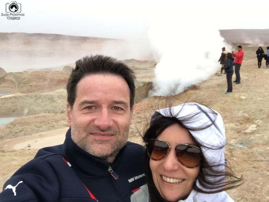uma selfie nos geysers sol la mañana